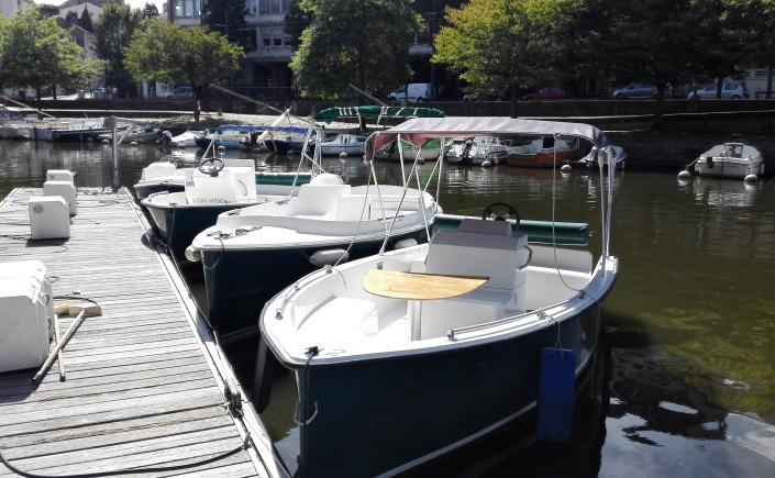 ruban vert bateau électrique sur l'Erdre Nantes